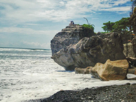 Playas para practicar surf en El Salvador
