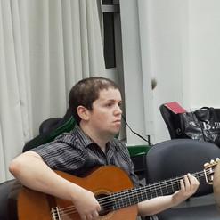 מורה גיטרה דימה קוגן
