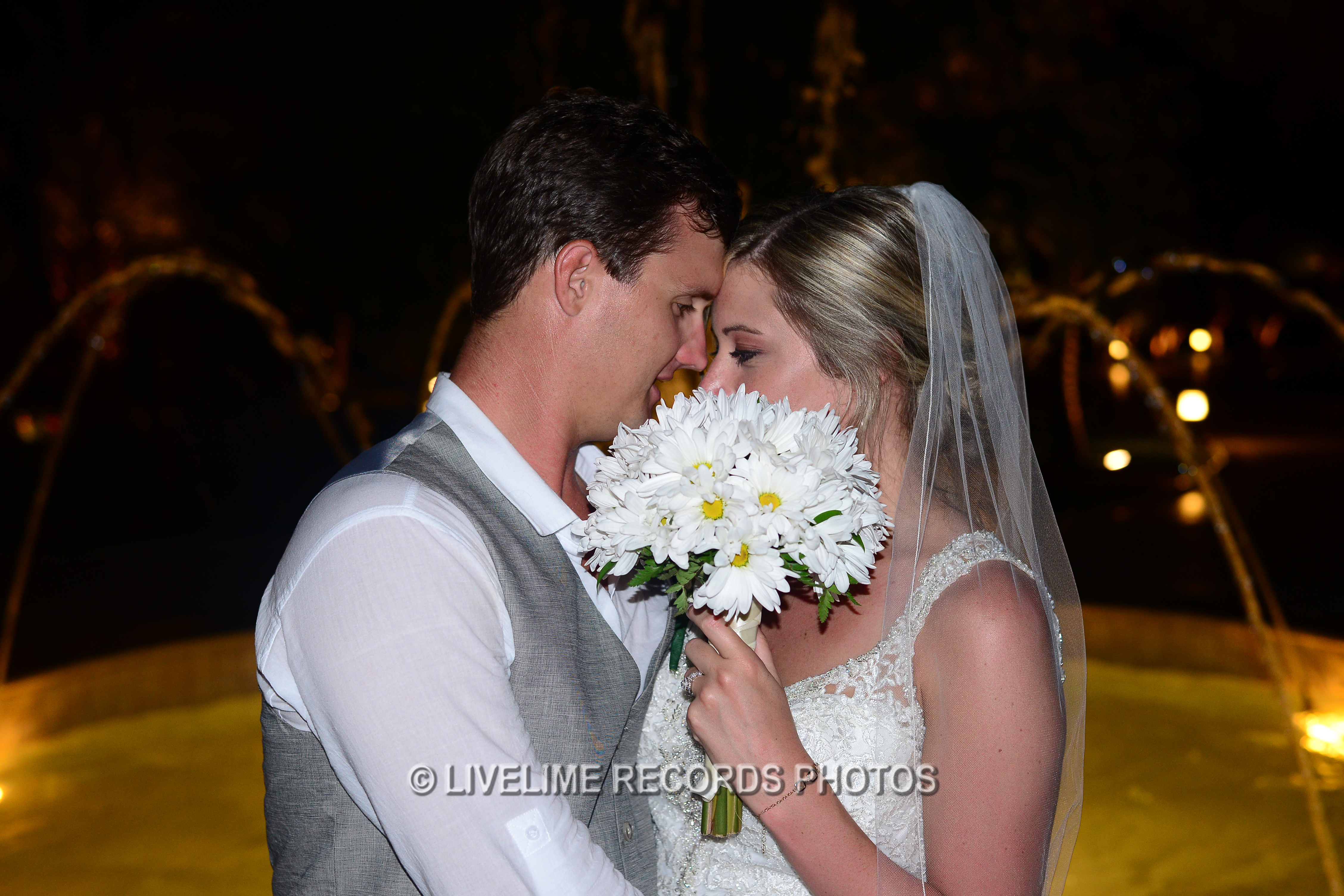 off resort wedding photographer
