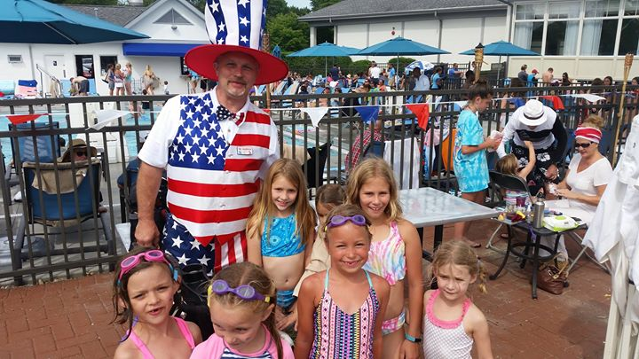 Now I'm at the Ridgemoore Country Club.jpg Busy day.jpg.jpg.jpg Fun, but busy.jpg Happy 4th to every