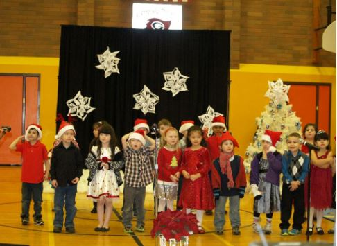 Students at Christmas Pageant