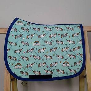 tapis poney licornes.jpg