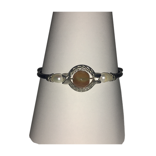 Armband met magneetsluiting - zilverkleurig met oker kraal
