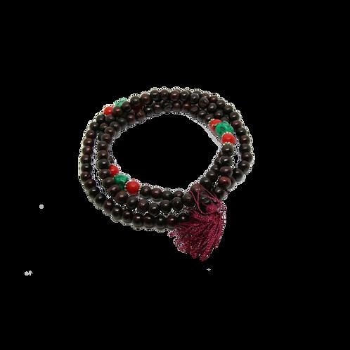Mala hout met rode kralen en turquoise steen