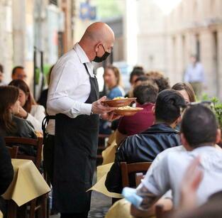 Italia, primer país de Occidente que exigirá certificado Covid para trabajar