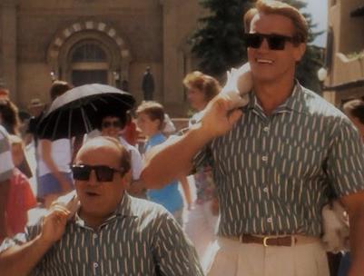 """Preparan nueva versión de filme """"Gemelos"""" con Schwarzenegger y DeVito: habrá uno más"""