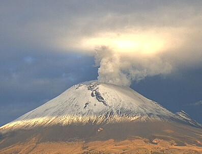 Analizan actividad reciente del Popocatépetl: incremento de actividad