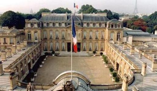 Llama Francia a consultas a sus embajadores en Estados Unidos y Australia