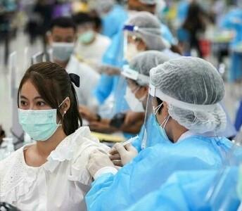 Más de mil millones de chinos, con dosis completa de vacuna