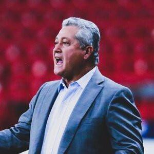 Despide Chivas a Vucetich de la dirección técnica