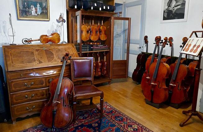 Collection de violons, altos et violoncelles anciens et modernes