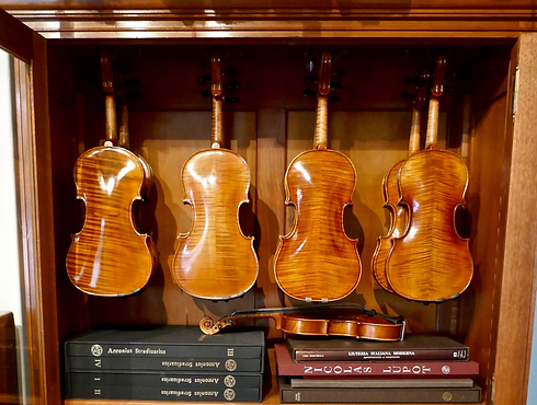 armoir%20violon%20etude%20tiny_edited.pn