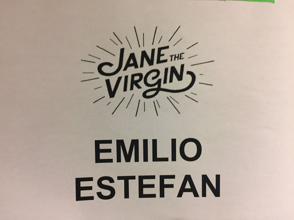 Emilio and Gloria guest star on Jane the Virgin!