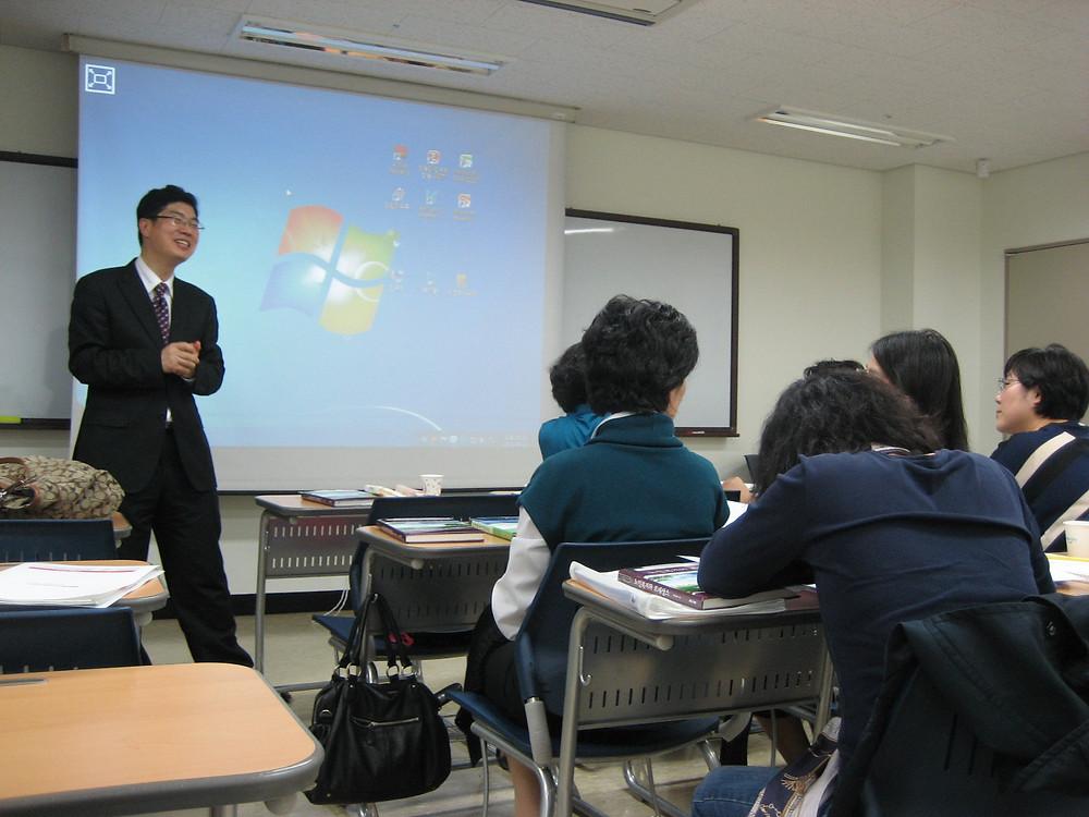 가천대학교 대학원 사회복지학과 강의 중에... 한 학생이 촬영하여 보내준 사진입니다.