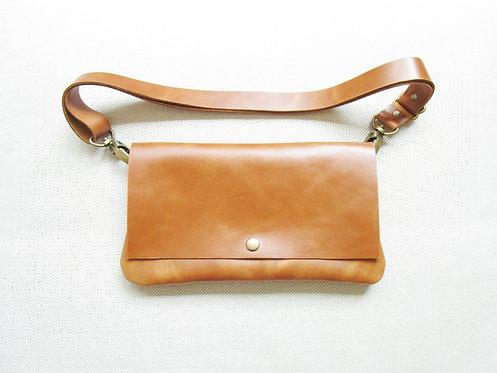 Pelt And Post Etrangeres Tan Leather Bag