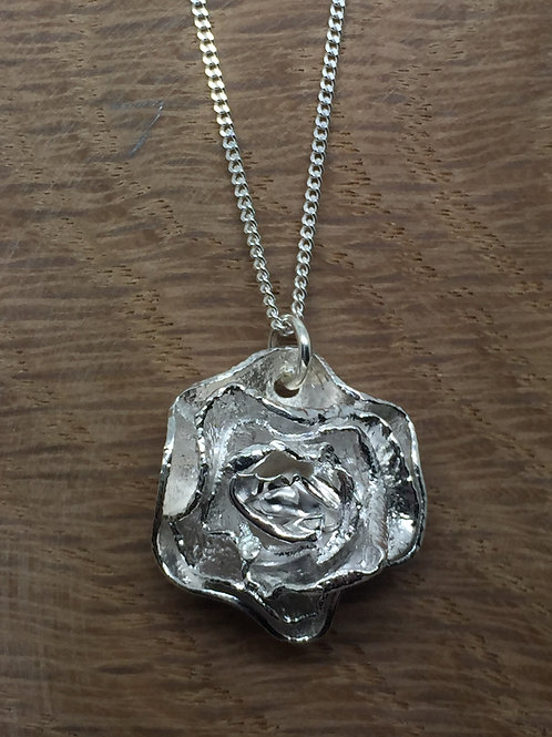 Silbr (Lesley Brown) | Small Rose Pendant