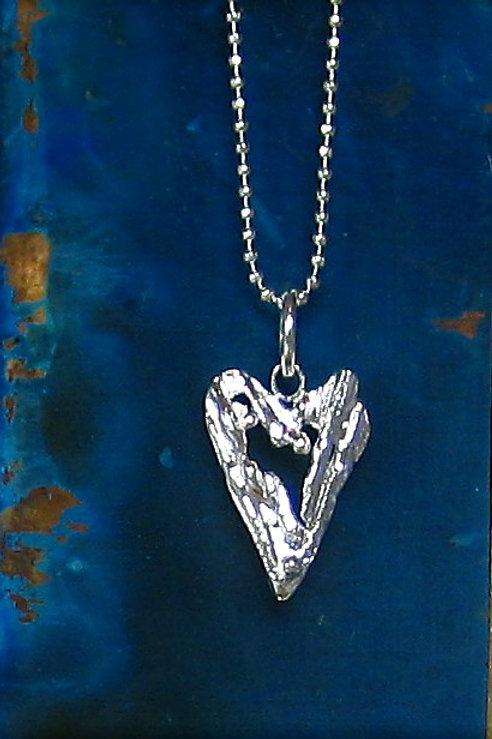 Silver Sparrow Jewellery | Driftwood Small Heart Pendant