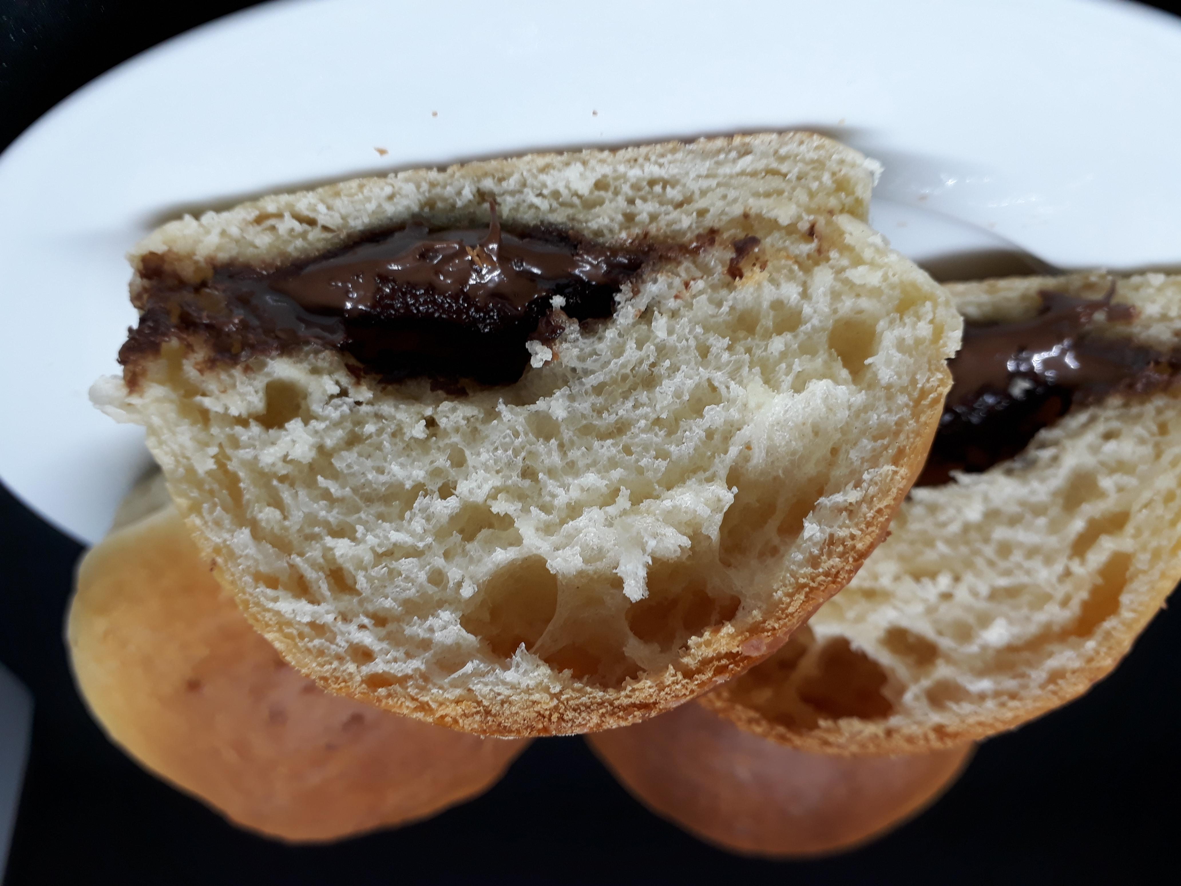 Pan brioche con crema de avellana y cacao
