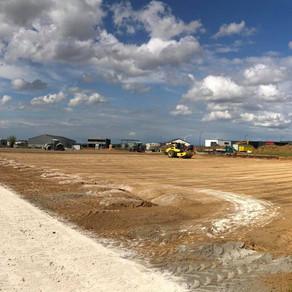 Travaux stabilisation de sol pour l'aménagement d'un nouveau terrain de hockey à Hannut