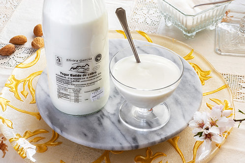 Yogur natural batido. Contenido 1litro. Peso total 1.400gr