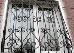 решетки на окна  от 1500 рублей