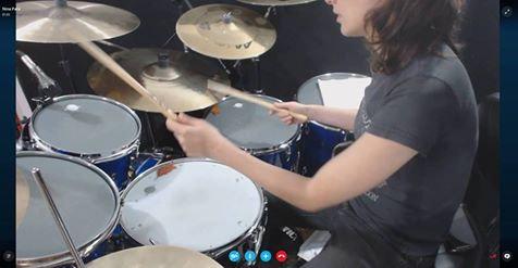 1 hora de aula de bateria com Nina Pará - SKYPE