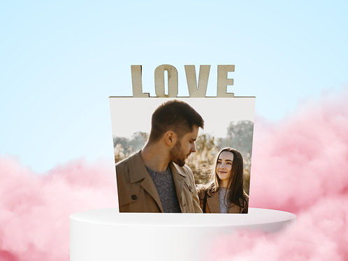 """מעמד עץ """"LOVE"""""""