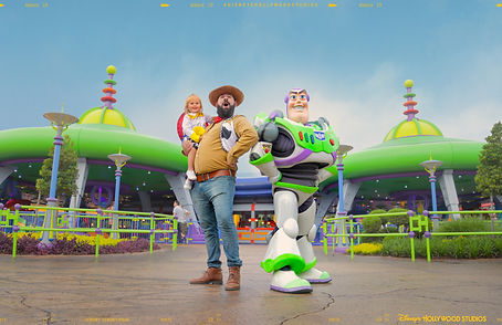 WDW_FY19_NMTE Wave 2_DHS_DadWithBuzz_Ele