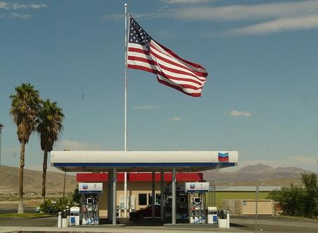 Com imposto dos EUA, gasolina brasileira custaria um real a menos