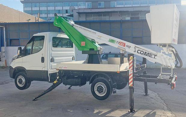 Iveco Daily 35S del 2019 con Piattaforma COMET 17 8,5