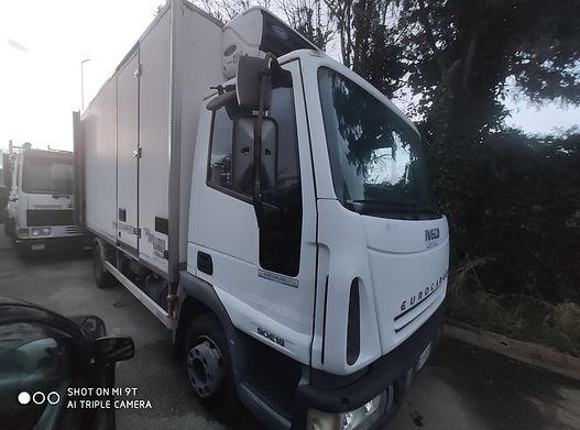Iveco Eurocargo con cassone frigorifero