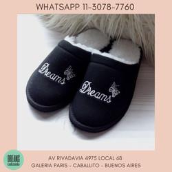 Pantuflas para mujer con abrigo mariposa negro Dreams Calzado Caballito Av Rivadavia 4975 local 68 G