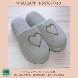 Pantuflas espumones pantuflon Mujer MGN gris corazon Dreams Calzado Caballito Av Rivadavia 4975 loca