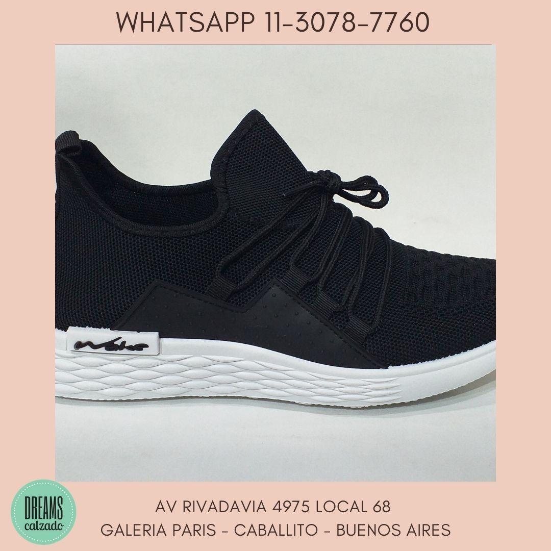 Zapatillas deportivas para hombre Wake cordon negro  Dreams Calzado Caballito Av Rivadavia 4975 Loca