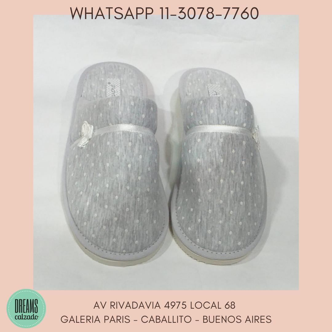 Pantuflas chinelas para mujer Atupie punta cerrada gris Dreams Calzado Caballito Av Rivadavia 4975 l