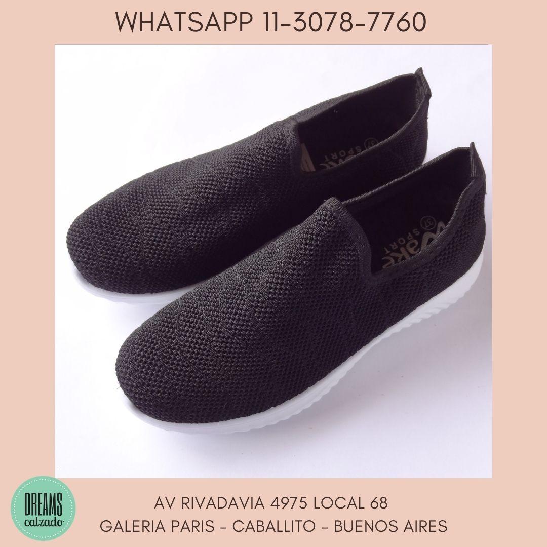 Zapatillas para mujer tipo media calce directo Wake negro Dreams Calzado Caballito Av Rivadavia 4975