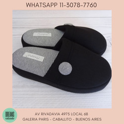 Pantuflas espumones pantuflon Mujer Atupie negro boton Dreams Calzado Caballito Av Rivadavia 4975 lo