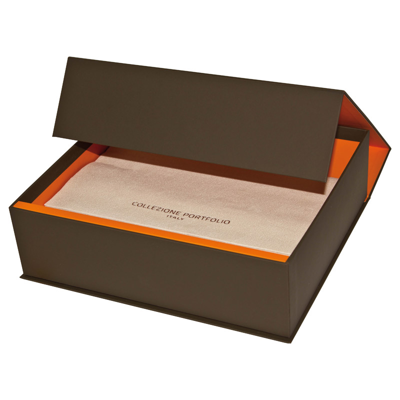 Коробка-шкатулка с крышкой на магнитах