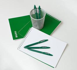 блокноты и ручки с логотипом на заказ
