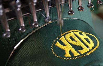 Вышивка логотипа в типографии полного цикла BTL print и вышивка машинным методом в рекламно- производственной компании BTL print