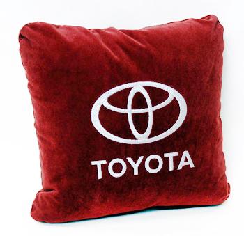 Автомобильная подушка с вышивкой логотипа