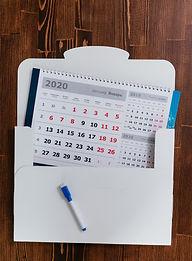оригинальный и необычный корпоративный календарь с магнитно-маркерной доской пиши стирай с маркером и коробкой в комплекте, выполненный по индивидуальному дизайну в рекламно-производственной компании BTL print