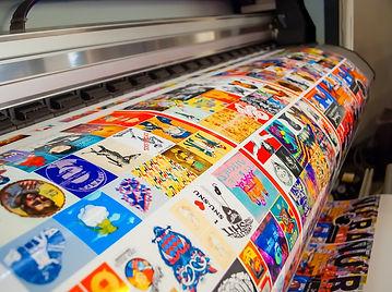 Широкоформатная печать полиграфии и рекламы в типографии полного цикла BTL print и интерьерная печать полиграфии в рекламно-производственной компании BTL print
