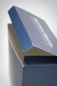 Картонные коробки с печатью серебром, изготовленные в типографии полного цикла BTL print