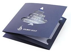 Открытка с вырубкой из дизайнерской бумаги