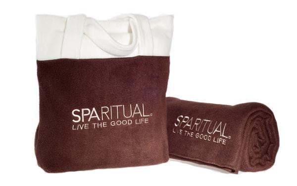 Текстильная сумка и полотенце с вышивкой логотипа