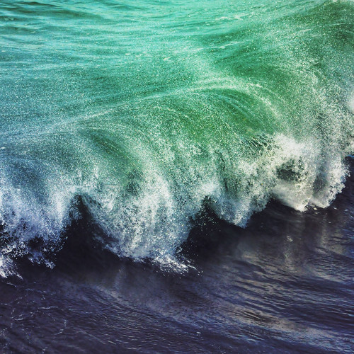 Two toned wave