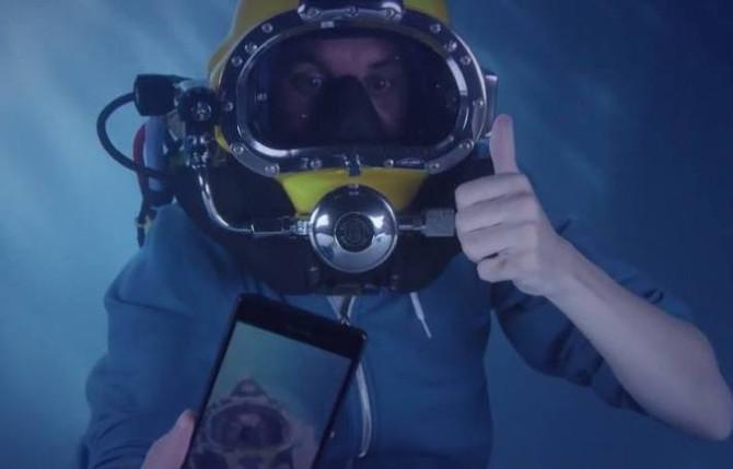 Sony Z3 Υποβρύχιο unboxing video. Γιατί; γιατί έτσι!
