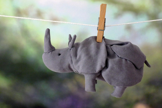 Sabine Rufener Illustration Kinderbuch Textil Stofftier Unikat Nashorn