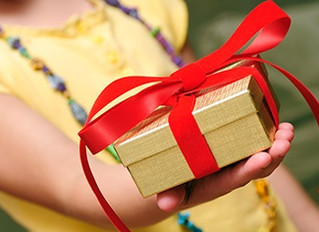 Simple Ways to Teach Your Kids about Giving at the Holidays